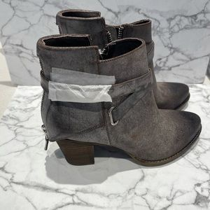 BOOTIES BRAND SPANKING NEW WISHBONE COLLECTION